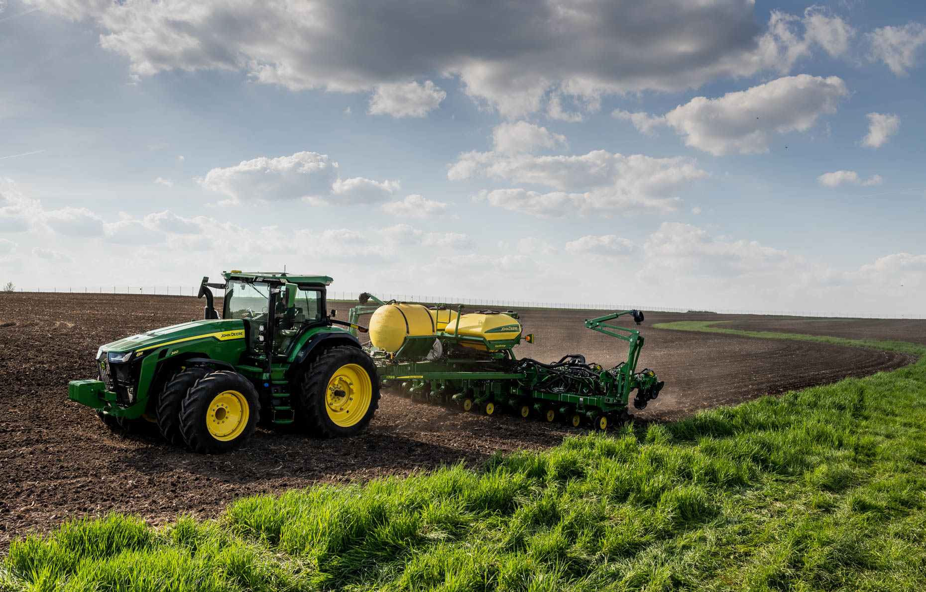 20190515_JohnDeere-Waterloo_1207-Pano